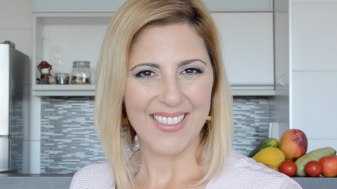 Roberta Horschutz Stella. Nutricionista. CRN3 9788.